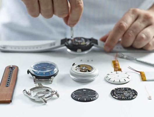 Self-Charging Hybrid Smartwatch