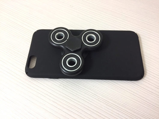 Fidget Spinner with Unique iPhone Back Cover
